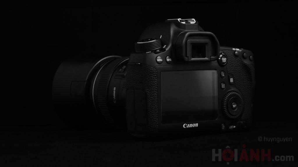 Chụp mặt sau máy ảnh 6D